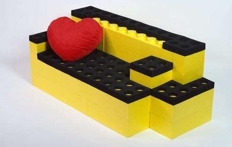 40308_french-design-lego-like-furniture-legos-lunablocks-lunasoft-lunatic-construction-modular-furniture-bricks-soft-seating