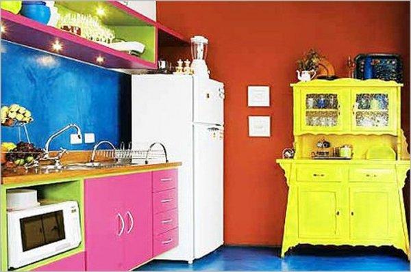 Colorful-Kitchen-Design-Ideas-bright-crazy-colored-kitchen