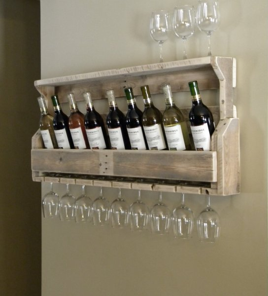 Creative-Ideas-For-Cellar-Wine-And-Glasses-From-Wood-Pallet-Design-And-Mounted-On-Wall-For-Save-More-Space