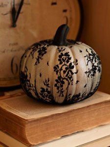 cute-diy-chic-pumpkins-to-decorate-your-interior-for-halloween-2
