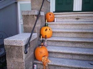 halloween-decorating-ideas-pumpkins-in-stair-enterway-design