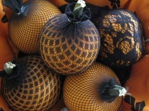 lazy-jack-o-lanterns-11-creative-ways-decorate-pumpkin-for-halloween-without-carving.w654