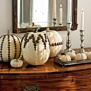 uphostery-tack-decorated-pumpkins-l