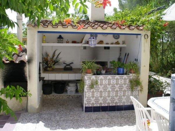 sm2038_4_summer_kitchen