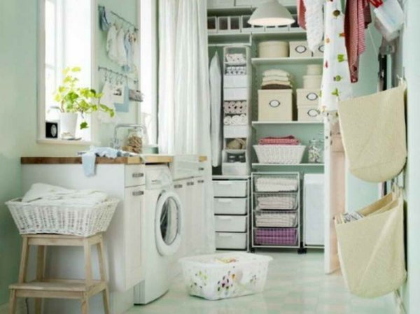 Laundry-Room-Storage-Ideas-with-chandelier