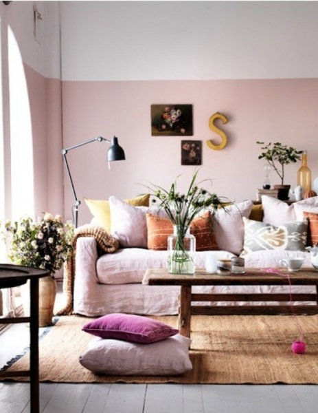 2013-Stylish-And-Feminine-Living-Rooms-Decorating-Ideas