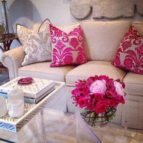 2013-Stylish-And-Feminine-Living-Rooms-Decorating-Ideas-7