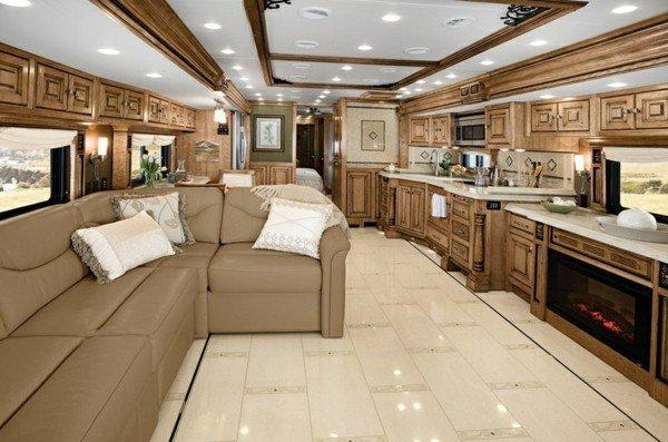 Caravan-Salon-super-great-modern-decor-in-beige