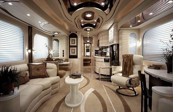 Caravan-hire-luxury-arrangement-effectively-with-design