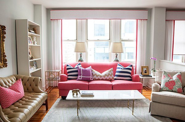 Feminine-accents-in-a-bright-living-room