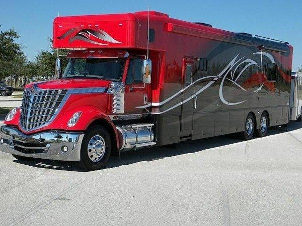 Luxury-Motorhomes-in-red-color