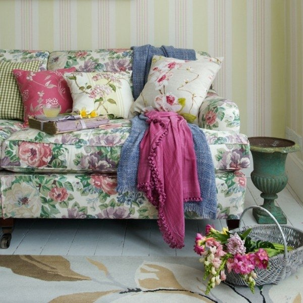 Shabby-Chic-furniture-ideas-living-room-decoration-floral-pattern-sofa-upholstery