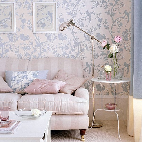Shabby-Chic-living-room-interior-design-pastel-blue-pink-round-side-table-fresh-flowers