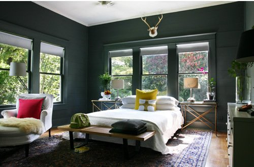 bedroom-with-black-walls-by-ab-chao