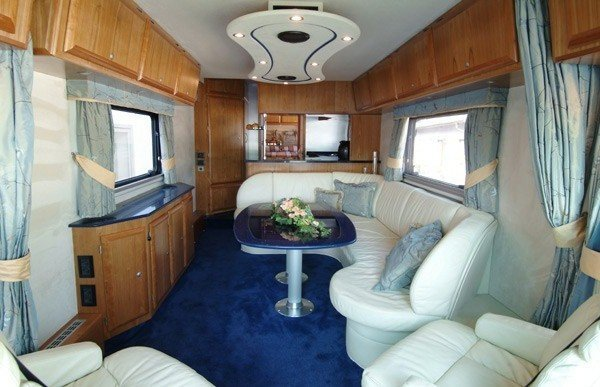 great-motorhome-with-modern-design