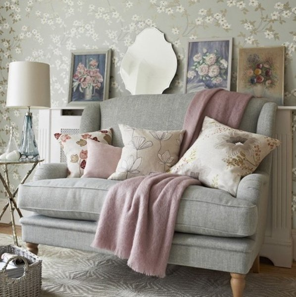 pastel-color-accents-Shabby-Chic-living-room-decoration-ideas-gray-sofa