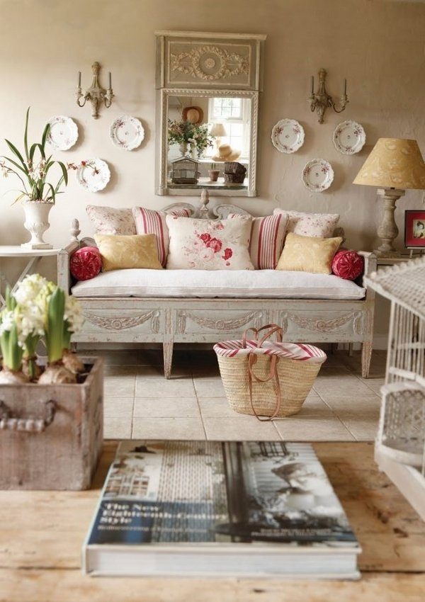 romantic-interior-shabby-chic-Living-room-furniture-ideas-sofa-cushions-wall-decoration