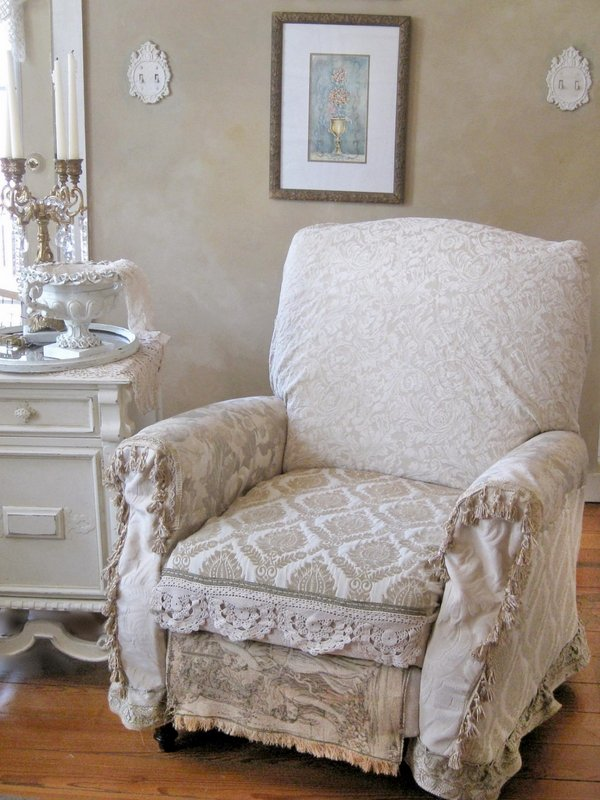 shabby-chic-french-style-armchair-living-room-furniture-ideas-shabby-chic-accessories