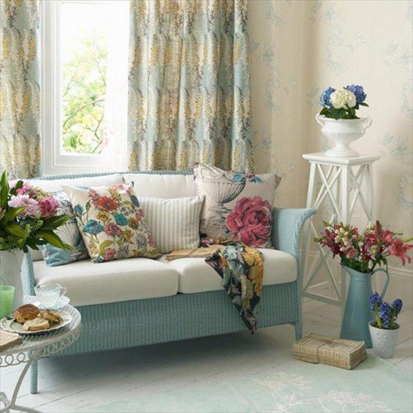 shabby-chic-living-room-decoration-ideas-sofa-pillows-flowers