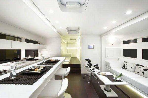 super-modern-kitchen-in-the-caravan-Caravan-Salon