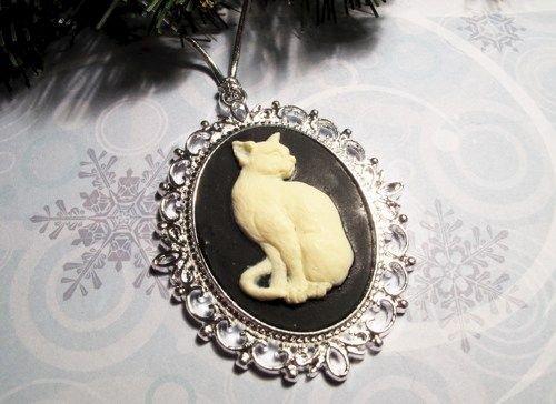 cat_cameo_christmas_ornament_bald_hairless_beige_kitten_cat_lover_05519440_grande