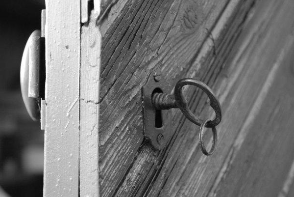 keyanddoor