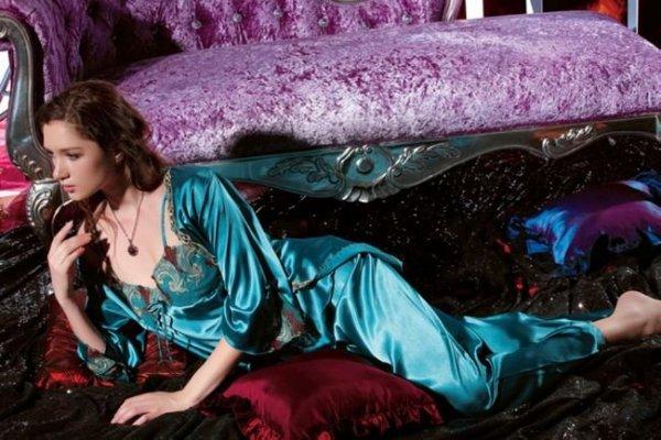 style-s-autumn-nobility-ms-silk-pajamas-house_7215928_4.bak