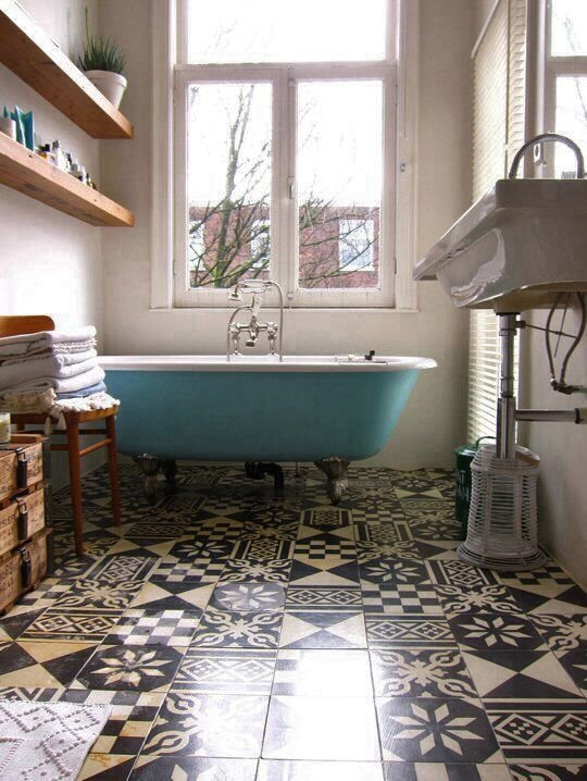 mix-and-match-patterned-floor-tiles-in-bathroom